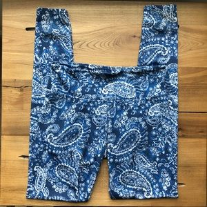 Onzie Blue Paisley Full Length Legging